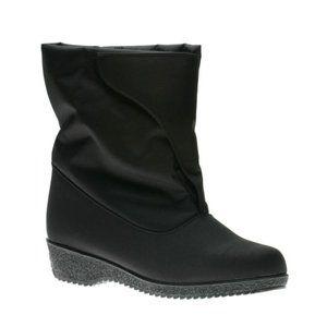 NWB Toe Warmers Women Snow Boots